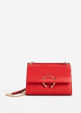 http://shop.mango.com/be/femme/sac-portes-croises/sac-porte-croise-chaine_13030342.html?c=70&n=1&s=search