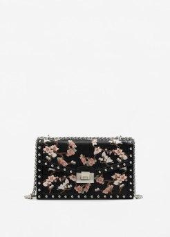 http://shop.mango.com/be/femme/sac-portes-croises/blouse-broderie-florale_13035023.html?c=99&n=1&s=search