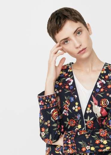 http://shop.mango.com/be/femme/veste-vestes/veste-brodee-a-fleurs_13043027.html?c=69&n=1&s=search