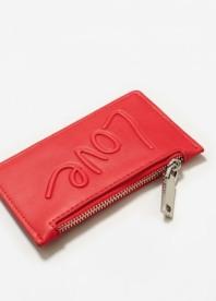 http://shop.mango.com/be/femme/maroquinerie-portefeuilles---porte-monnaie/porte-cartes-message_13050370.html?c=70&n=1&s=search
