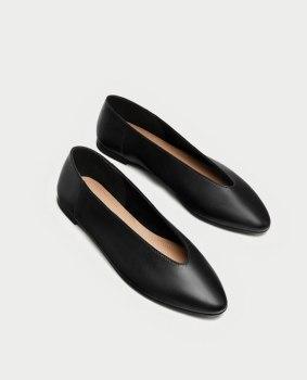 https://www.zara.com/fr/fr/femme/chaussures/cuir/ballerines-en-cuir-avec-d%C3%A9collet%C3%A9-en-v-c269194p4742005.html