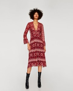 https://www.zara.com/fr/fr/femme/robes/tout-voir/robe-mi-longue-en-dentelle-fantaisie-c733885p4915615.html
