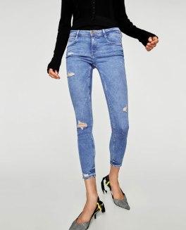 https://www.zara.com/be/fr/femme/jeans/tout-voir/jegging-body-curve-taille-basse-cropped-c733918p4757569.html