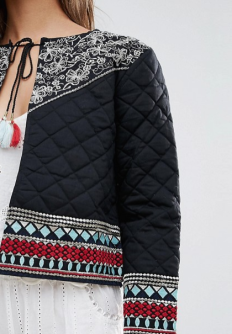 http://www.asos.fr/glamorous/glamorous-veste-a-broderies-et-pampilles/prd/7745703?clr=noirornement%C3%A9&SearchQuery=broderie&pgesize=36&pge=15&totalstyles=620&gridsize=3&gridrow=3&gridcolumn=2