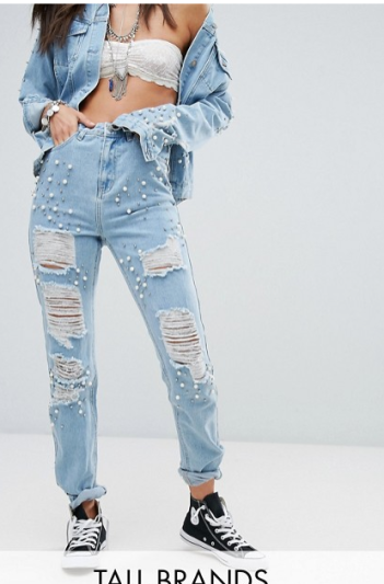 http://www.asos.fr/glamorous-tall/glamorous-tall-jean-mom-orne/prd/8163813?clr=denim&SearchQuery=&cid=17014&pgesize=36&pge=6&totalstyles=1153&gridsize=3&gridrow=9&gridcolumn=2
