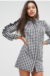 http://www.asos.fr/missguided/missguided-robe-a-carreaux-vichy-volantee-aux-manches/prd/7695472?clr=multi&SearchQuery=robe+%C3%A0+carreaux&pgesize=36&pge=3&totalstyles=273&gridsize=3&gridrow=4&gridcolumn=2