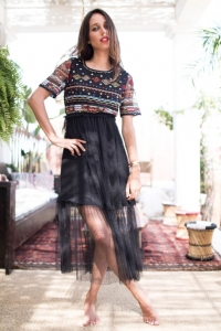 robe-flamenco-noire-avec-perles-et-broderies