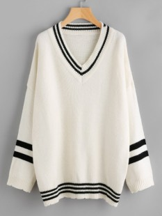 http://fr.shein.com/Drop-Shoulder-Striped-Trim-Sweater-p-372667-cat-1734.html