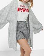 https://www.stradivarius.com/be/femme/v%C3%AAtements/tricots/afficher-tout/cardigan-manches-kimono-c1718564p300398009.html?colorId=210&style=05
