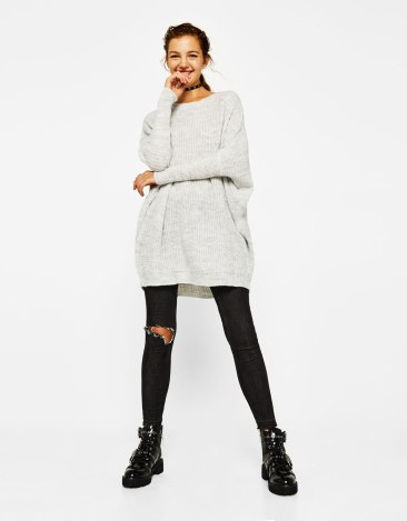 https://www.bershka.com/fr/femme/v%C3%AAtements/pull-long-c1010223501p101109071.html?colorId=812