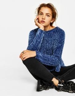 https://www.bershka.com/fr/femme/v%C3%AAtements/pull-coton-chenille-c1010223501p101109073.html?colorId=408