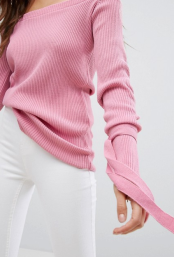 http://www.asos.fr/boohoo/boohoo-pull-style-bardot-avec-liens-a-nouer-aux-poignets/prd/8401827?clr=rose&cid=2637#