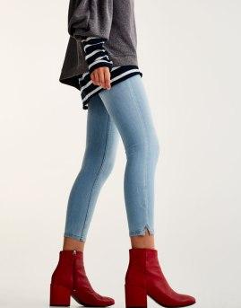 https://www.pullandbear.com/fr/femme/chaussures/tout-afficher/bottines-%C3%A0-talon-large-c670007p500544011.html