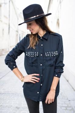 https://prettywire.fr/blouses/2995220-chemise-fluide-a-perles-bleu-marine.html