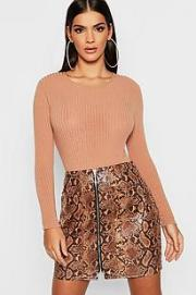https://eu.boohoo.com/snakeskin-pu-leather-look-zip-front-mini-skirt/DZZ07331.html